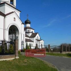 Православная церковь в п. Тарасово, Беларусь, ограждение из блоков Brick