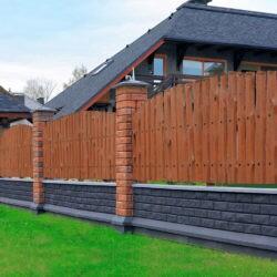 Забор известного белорусского архитектора-дизайнера из блоков Brick